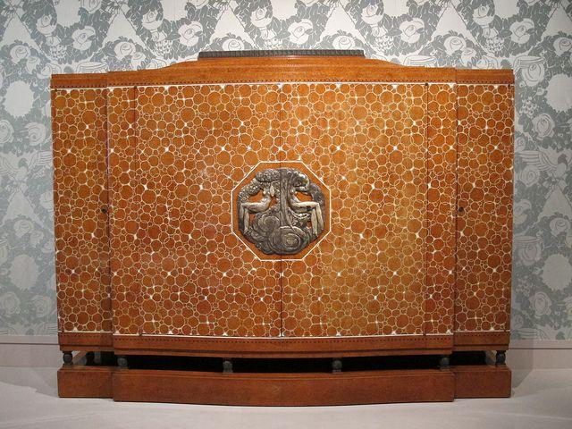 """Meuble dit """"Meuble Elysée"""" (1920), Jacques-Emile Ruhlmann - Exposition « 1925, quand l'Art Déco séduit le monde », Cité de l'Architecture et..."""