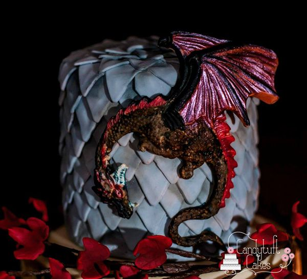 Elegant Game of Thrones Cake is Too Fancy For a Red Wedding
