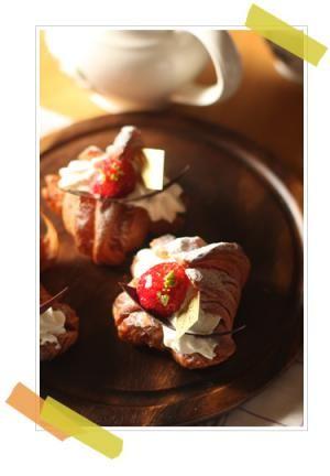 「苺のクロワッサン」vivian | お菓子・パンのレシピや作り方【cotta*コッタ】