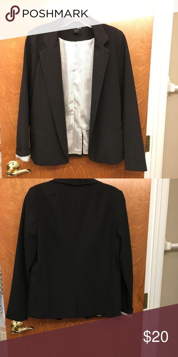 Bloomingdales Aqua blazer Bloomingdales Aqua size small open blazer Aqua Jackets & Coats Blazers