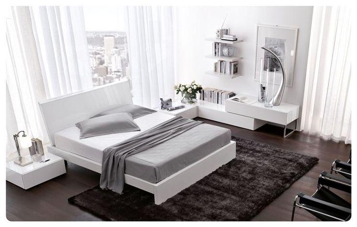 Camera da letto bianca moderna