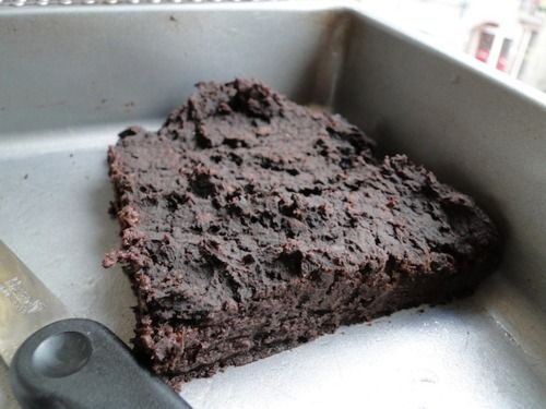 These black bean brownies taste like Starbucks' brownies without the fat/sugar overload!Ingredients: - 1 15oz can of black beans, rinced well- 1 tbsp instant coffee - 1 tbsp cinnamon - 1/2 cup unsweetened cocoa powder- 2 bananas- 1/3 cup agave nectar- 1 tbsp vanilla - 1/4 cup wholewheat flour or oat flourPreheat oven to 350F. Spray a square pan with cooking spray. Throw everything together in blender. Blend, scrape, then blend again. Pour batter in the pan. Bake about 30 minutes.  Sour