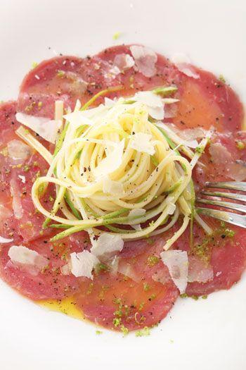 Kalbscarpaccio mit Spargel-Linguini