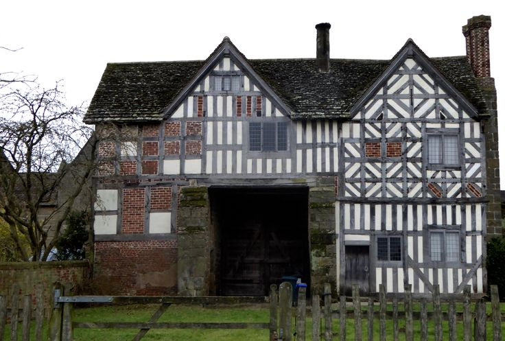 Langley gatehouse for hire!