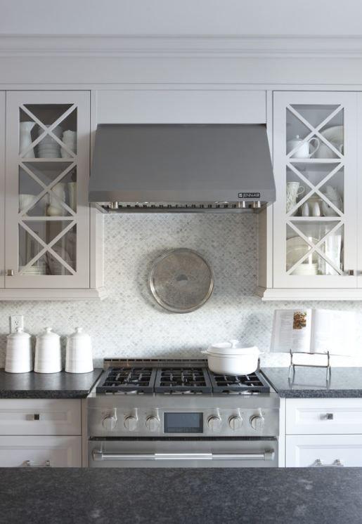 Sarah's House Season 4 kitchen range