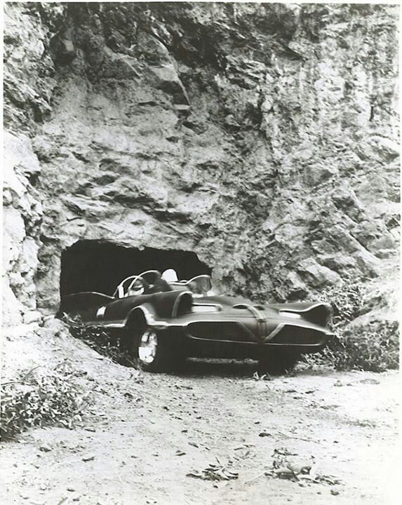 Batmobile - TV series (1966 - 1968), leaving the Bat Cave