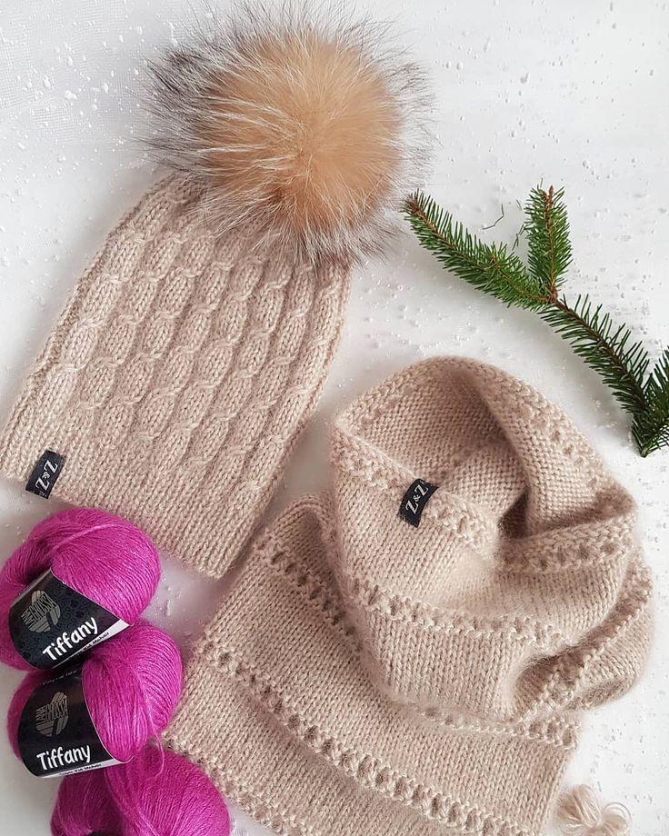 У меня готов ещё один нежнейший комплект из мягкой и пушистой ниточки Тиффани #длядевочкилет30 на размер 54-57, цена 6000₽, для любителей ярких цветов есть небольшой запас этой ниточки цвета то ли фиолет, то ли фуксия #вяжутнетолькобабушки #вяжутвсе #тиффани #нежность #мохеришелк #зима #зимняяшапка #шапкавналичии #шапкаснуд #мойхендмейд #моехобби