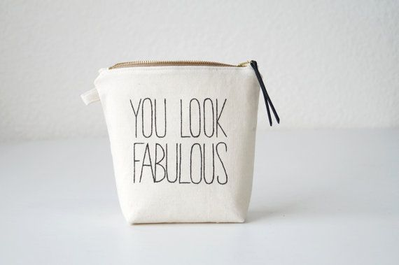 Add a little spice to your daily life with this cute, friendly and very practical makeup pouch. Carry around your makeup and other beauty tools safe