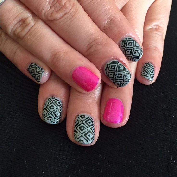 #pinkgellac #nails #nailpolish #gellac #nailart #naildesign #art #polish #woman #shellac #naturalnails #instanails #instadesign #nailstamping #shellac #girls #summernails #springnails #winternails #fallnails #sandb #sandnails