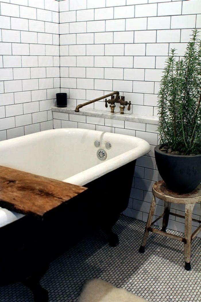 Les 25 meilleures id es de la cat gorie baignoire noire for La plus belle salle de bain