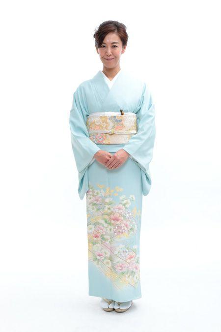 色留袖レンタル 0J7A1762 ウェディングドレスのレンタルなら大阪ピノエローザへ