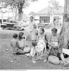 De mensen in Jakarta leven in erge armoede. Ze krijgen niet geld genoeg geld voor goed voedsel. Integendeel hebben ze ook geen genoeg schoon drinkwater