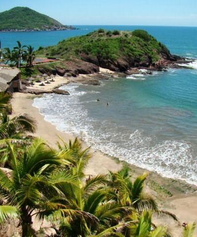 En las playas más distantes de #Mazatlan se encuentran sitios tranquilos y románticos, con naturaleza exótica y paisajes edénicos.