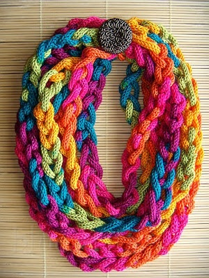 macaroni scarf with plaited pattern, acrylic microfibre in autumn multicolor