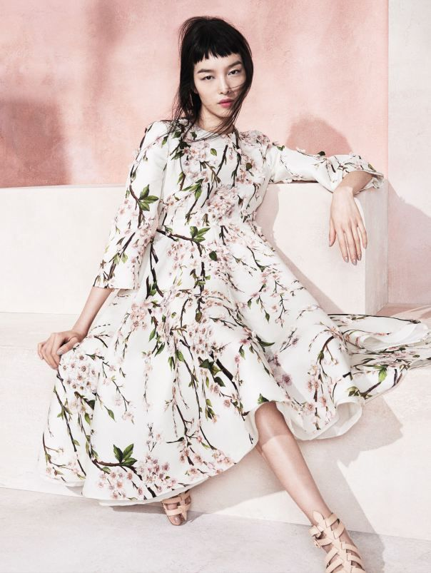 Dress: Dolce & Gabbana, Shoes: Christian Louboutin, Model: Fei Fei Sun, Photographer: Sharif Hamza (for Vogue China May 2014 12)