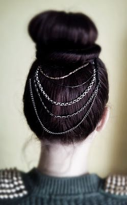 Diy hair accessory using chains and hair combs.