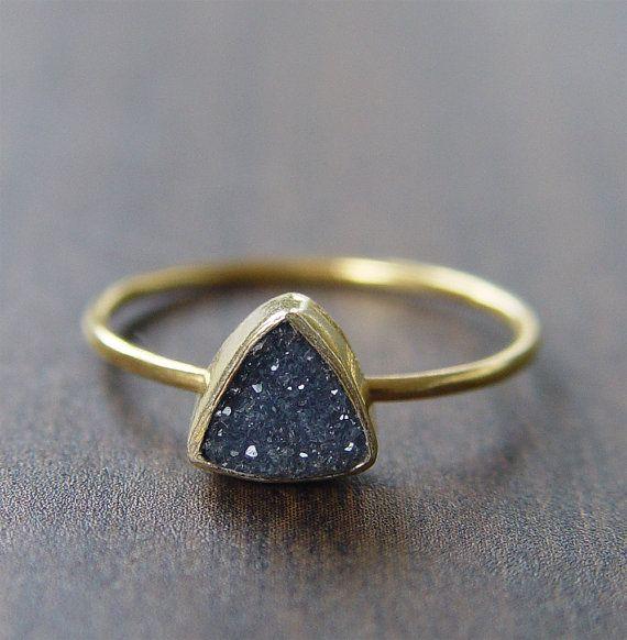 VENDITA Sconto 25%: anello Druzy triangolo Noir, 14k oro riempito