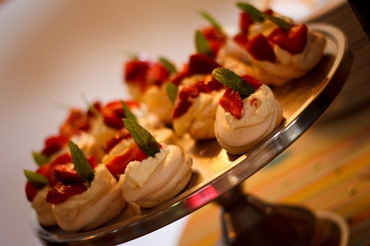 Mini Meringues with Strawberries and Cream www.duneridgestfrancis.co.za