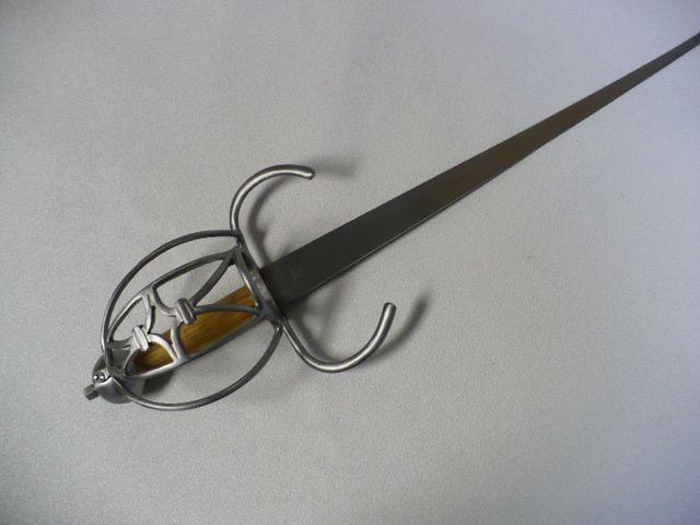 Daggers : Darkwood Armory!, Art in steel