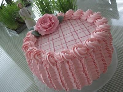 Sokeriperhosen kakut: Vaaleanpunainen ruusukakku