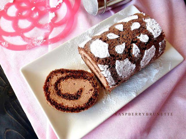 Raspberrybrunette: Jednoduchá orechová roláda bez múky s čokoládovou šľahačkou