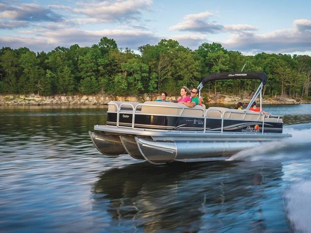 2014 Sun Tracker Signature Party Barge 24 XP3 for sale at Bradford Marine & ATV.