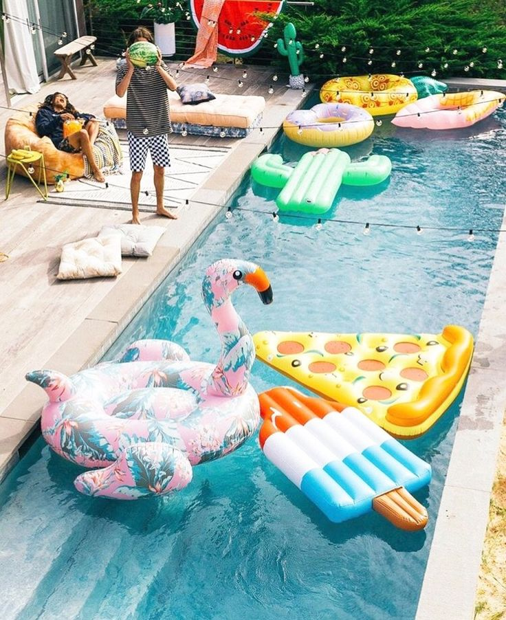 Best 25 Birthday Chair Ideas On Pinterest: 25+ Best Ideas About Pool Parties On Pinterest