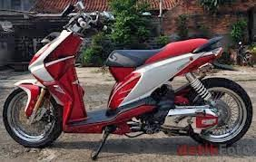 Modifikasi Honda Beat merah putih sporty