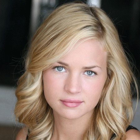 Britt Robertson wiki, affair, married, Lesbian with age, height, actress,