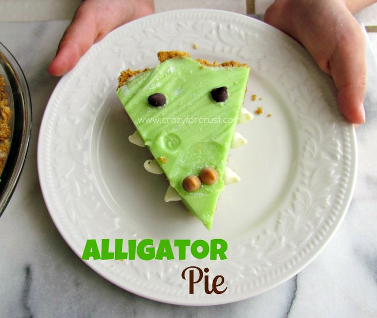 Alligator Pie - No cooking required! This would be a great thing to make in the classroom to work in some measuring or fractions. :) Jodi from The Clutter-Free Classroom {www.CFClassroom.com}