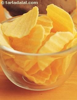 Worried about your waistline every time you reach out to fried stuff? try these fat free wafers instead. Yes the microwave can indeed give you non-fried potato chips.