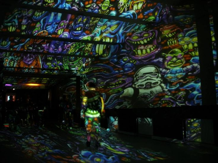 Underground Culture presents Gancher & Ruin (RU) with Night Projection's raypainting  #underground #undergroundculture #gancher #nightprojection #fényfestés #fényfestészet #raypainting #visual #visuals