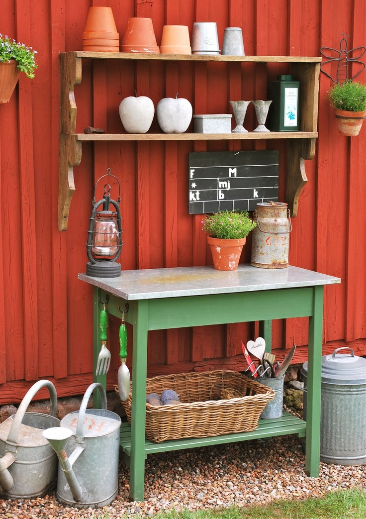 I really love this gardening area/potting table.  Ms. Groen's Blog: July 2011