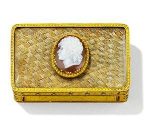 Exceptional gold and enamel snuff-box, inset with an agate cameo of Napoleon's brother-in-law (and King of Naples) Joachim Murat and his hair.