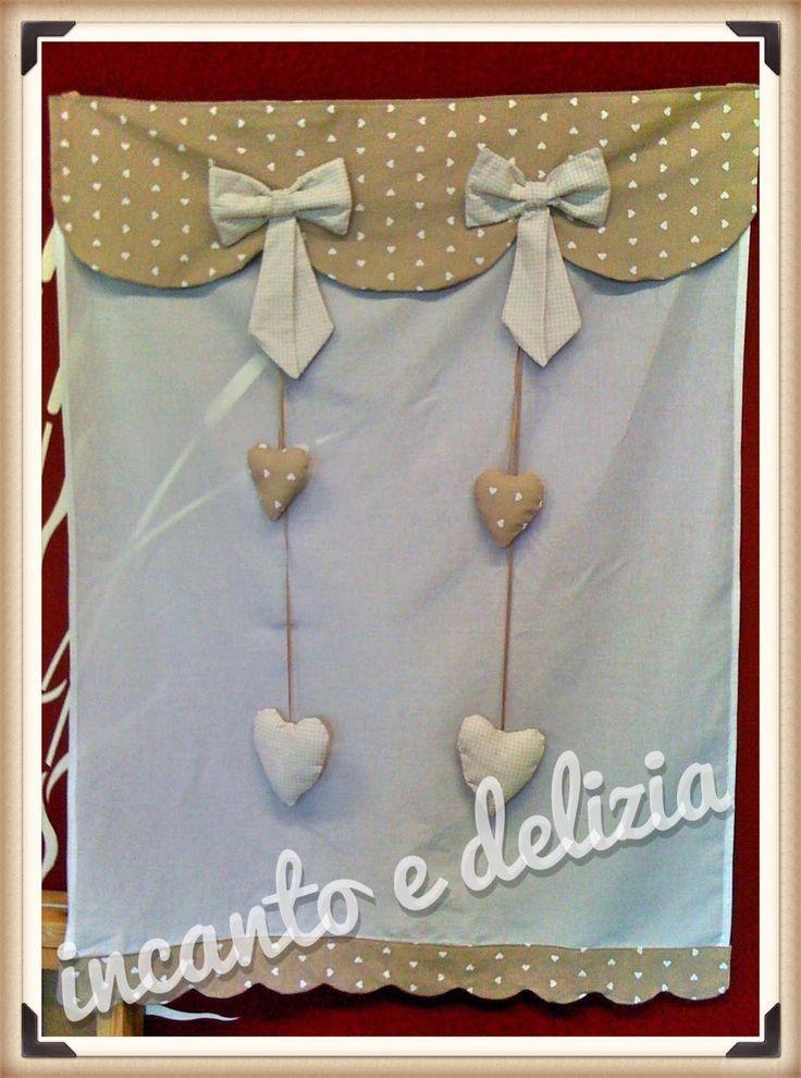 Tenda bagno con mantovana e fiocchi, cuoricini decorativi. #incantoedelizia