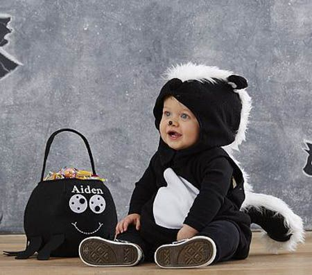 Babies are cute. Babies in super cute costumes for Halloween are to die for! Here are 6 adorable costume ideas for babies:
