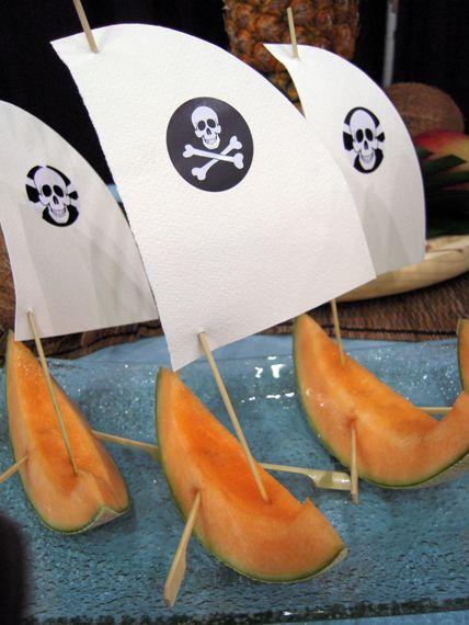 Collation cantaloups en forme de bateau