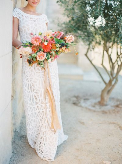 Rue De Seine gown: http://www.stylemepretty.com/2015/01/27/colorful-vineyard-wedding-inspiration/ | Photography: Sarah Kate & Joshua Aull