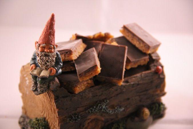 Små Snickersrutor #småsnickersrutor #snickersrutor #snickers #godis #julgodis #snickerscandy #candy #slankosund