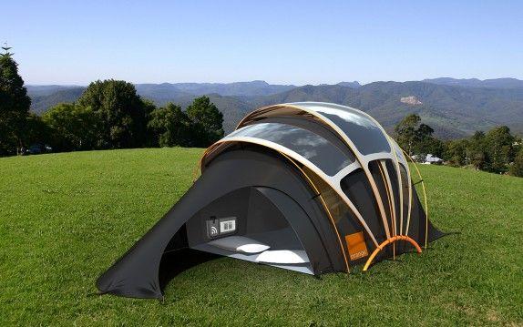 Oder vllt doch lieber das hier für den nächsten Camping-Urlaub?! Ein Zelt mit Solarzellen auf dem Dach... Dadurch gibt's Fußboden-Heizung und Strom für die Gadgets... Und: per SMS oder RFID lässt die Seltbeleuchtung anschalten - damit man sein Zelt auch im Dunkeln schneller wieder findet... Leider (noch) nicht zu kaufen...