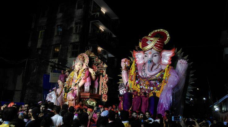 this is epic... ganpati in mumbai