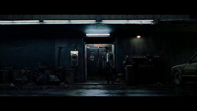 Como remueven a Tyler Durden de una escena del club de la pelea. Asombroso.