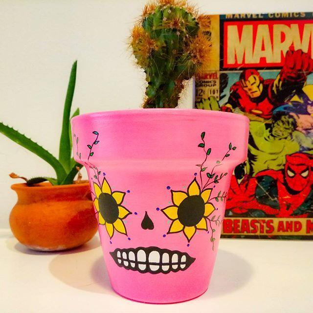 Viva México 🇲🇽!. Mexicana $250 Mexicana + suculenta $350  Consultas por inbox - CABA  #Succulove #succulent #succulentsofinstagram #succulentcity #CactusLove #cactus #CactusLover  #cactusofinstagram #cactusclub #cactusobsession #succulentobsession #calaca