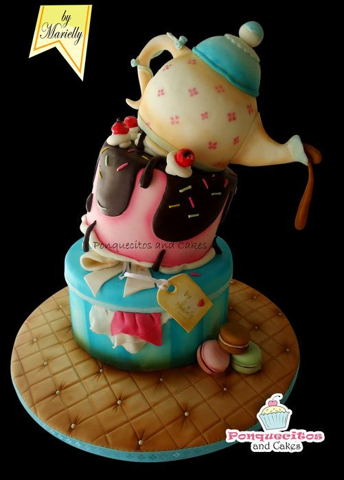 Topsy turvy cake with airbrush by marielly cakesdecor for Airbrush cake decoration