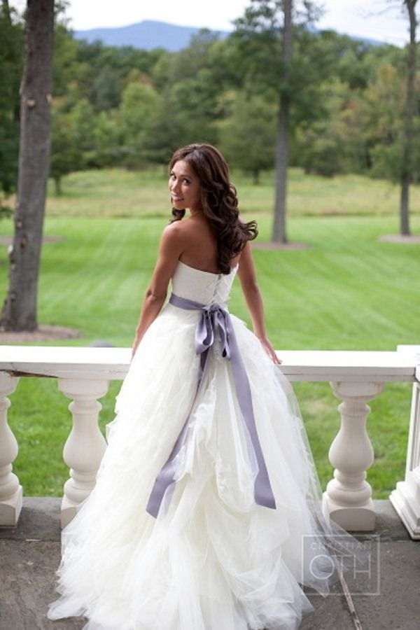 Absolutely gorgeous wedding dress!