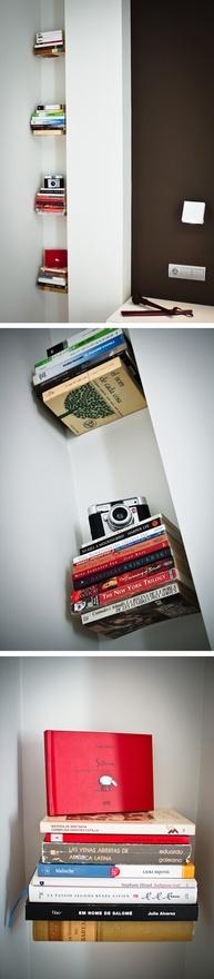 Estanterías de libros flotantes. Flying bookshelves.