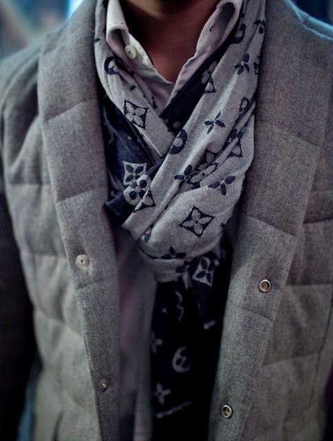 メンズスカーフは大人コーデに欠かせない!?おすすめ商品&巻き方~着こなし伝授