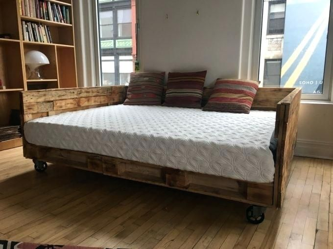 Handmade Reclaimed Wood Queen Daybed With Wheels Legs For