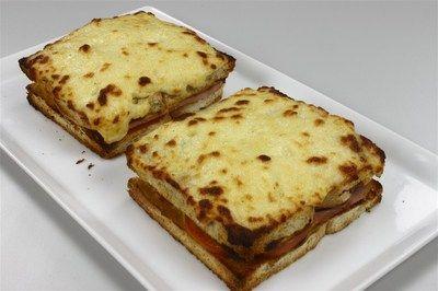 Croque monsieur / sandwich med skinke og ost
