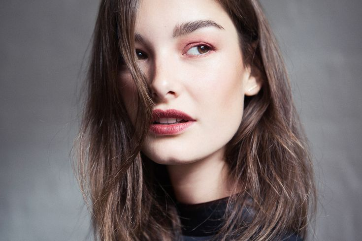Ophelie Guillermand Transforms With Marc Jacobs Beauty #Instamarc Light-Filtering Contour Powder